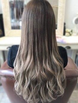 エクステンションジーニー(extension GENIE)の写真/20~30代から圧倒的支持を得るGENIE♪カラー専用システムTRで傷みを最小限に抑え、大人綺麗な美髪に♪