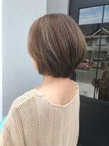 クッカ(kukka)【kukka 楠 留美】大人女性のボブ×白髪ぼかしのハイライト