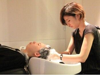 モッズヘア 十勝音更店(mod's hair)の写真/心地良くツボをとらえた、プロのマッサージに思わずウトウト…厳選された薬剤&確かな技術で頭皮から健康に