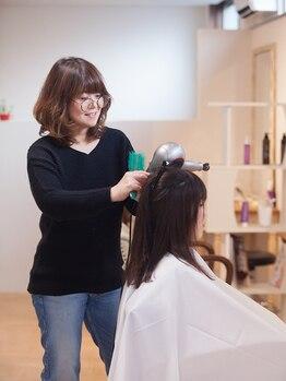 美容室 ハリエルの写真/1人1人の髪質に合わせて最適なお手入れ方法をご提案!くせ毛のコンプレックスも魅力に♪