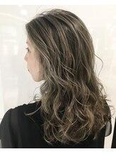 【loRe】豊富な薬剤と確かな知識と技術でオーダーメイドヘアを提供します。