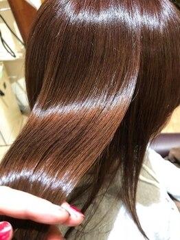 ラ ソール ヘア(La sol HAIR)の写真/〈ケアソムリエ〉が髪質に合わせケアプログラムをご提案!オーダーメイド感覚のトリートメントでツヤ髪へ♪