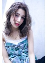 ロジッタ(ROJITHA)【ROJITHA】 クールグレージュ×濡れ髪ウェーブミディ