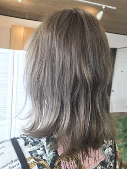 ポッシュヘアー(POSH hair)の写真/リタッチのなじませも定評☆難しいニュアンス×くすみを叶え一気にトレンド★駅近・開放的な店内で1対1♪