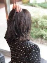 ヘアメイク シュシュ(Hair make chou chou)伸ばしかけボブと暗いグレー系カラー