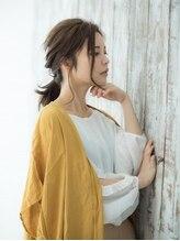 ティファ 栄(Tiffa)後れ毛、透け感たっぷりふんわりアレンジ