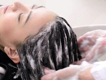 ベレッタ 樟葉(veretta.)の写真/頭皮やお顔のたるみ改善。毛髪復元士の知識と技術によるしっかりとした頭皮ケアでエイジングケア。