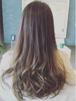 バレルヘアー(Valer hair)の写真/憧れの外国人みたいな透明感ヘ☆バレルヘアーのダメージレスカラーでもっと可愛くなろう♪