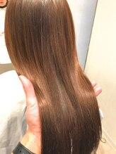 縮毛矯正をする程じゃない年齢によるクセやダメージによる広がりに!TVやSNSで話題の髪質改善酸熱treatment