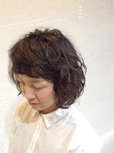 ヘアーアンドビューティー ルクシア(hair&beauty LUXIA)外国人風ナチュラルパーマスタイル