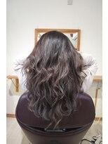 ヘアークリニック ラクシア 石巻(Hair Clinic LAXIA Ishinomaki)外国人風プラチナグレー