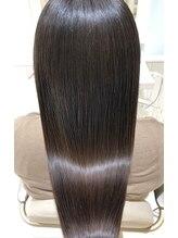 【髪質改善】癖毛うねり髪のひろがりなどによるお困りのお客様へ。髪質改善で艶髪に致します。