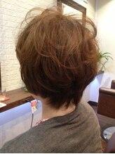 ヘアー サロン アットシュシュ(Hair Salon At'shushu)小顔補正立体カットとパーマでふんわりショート♪