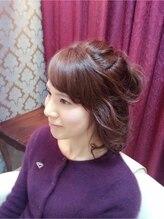フレイム ヘア(FRAME hair)ピンクグレーで艶もあり柔らかいスタイル