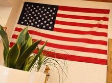 ヘアサロン アメリカン ドリーム(AMERICAN DREAM)の雰囲気(アメリカのカントリーハウスをイメージして造られた店内♪)