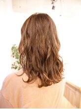 ヘア イコール(hair equal)S/S アッシュベージュ