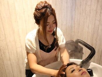 ヘアーアンドスパ フラップス(FLAPS)の写真/《スパ専用個室あり》カット+癒しプチスパ¥3500♪専門スパリストによる極上のひと時を。『頭皮から美しく』