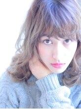 ペィジバイネオリーブ(Paige by Neolive)ハイレイヤーウェーブミディ