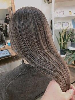 ラパヘアー(Lapa hair)の写真/当店イチオシメニューの【脱白髪染めハイライト】で「染め続ける白髪」から「育てる白髪デザイン」へ。