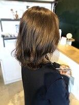 アミィヘアー(Ami Hair)プラチナベージュカラー×ロブ