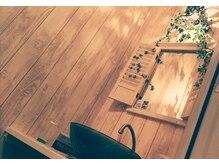 アイリス(Iris)の雰囲気(アンティーク家具や雑貨に囲まれたオシャレな空間。)