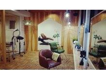 ニルプラスヘアークリニック(NIL+Hair Clinic)の雰囲気(落ち着いた雰囲気のカットスペースになります。)