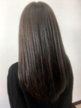 ヘアジーナ(Hair Jina)の写真/【プレミアム縮毛矯正で自然なストレートに☆】男女関係問わずカッコ良く、可愛く仕上げます♪