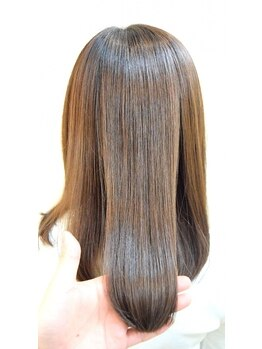 リノス ヘアー(LinoS hair)の写真/アルカリ剤から酸性剤の薬剤で、お客様の髪質に合わせてダメージを最小限に。ナチュラルな仕上がりを!!