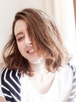 アメリ エ ギャルソン 菊川店(amelie et garcon)の写真/色持ちも良く、ファッションカラーのような明るい色味も出せるので思い通りのヘアカラーになれる◎