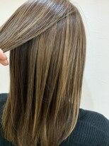 キャラ 池袋本店(CHARA)極細ハイライトで髪色に明るさと動きを!【池袋/池袋東口/大村】