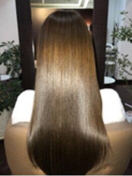 アクス(ACTSS)の写真/[M3Dカラー]いつまでもオシャレを楽しみたい方必見!髪質改善をしながら明るく透明感溢れる白髪染め体験を♪