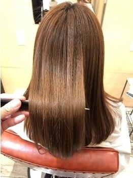 """スミカ(sumika)の写真/まるで素髪に戻ったような手触り感の""""TOKIOシステムトリートメント""""で上質な大人女性に。"""