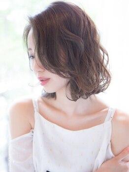 トゥエンティーフォー(24)の写真/【イルミナカラー¥4200、Aujuaトリートメント¥2200】流行のヘアスタイルをお手頃プライスで♪