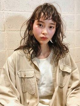 シーカ(SIIKA)の写真/《ミリ単位で女性らしさは変わる》SIIKAのオリジナルカットであなたの魅力を最大限に引き出します。