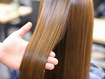 """コットンヘアケアアンドスパ(Cotton haircare&spa)の写真/《完全個室》しなやかで美しい髪はとても魅力的☆Cottonの本格トリートメントで髪本来の美しい""""ツヤ髪""""に♪"""