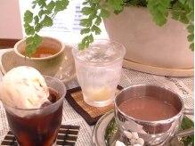 キャラメル(Caramel)の雰囲気(待ち時間にはカフェ気分なドリンク召し上がれ♪)