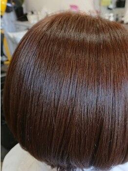 サンテリア(santeria)の写真/≪プラチナカラー≫トリートメント成分配合で髪の調子を整える♪ハリのあるキレイな発色のカラーです。