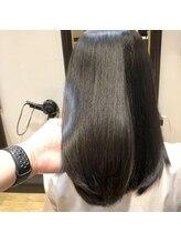 悩みに合わせて髪を綺麗にする縮毛矯正とドライカット