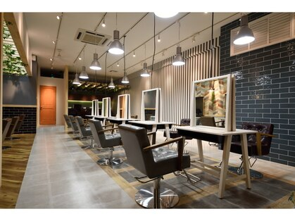 アーサス ヘアー デザイン 勝田店(Ursus hair Design by HEAD LIGHT)の写真