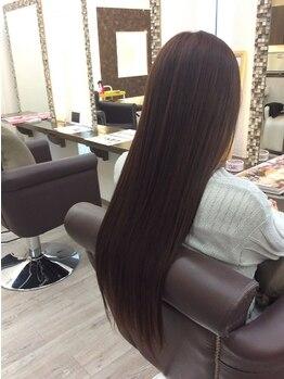 ヘアーメイク ギゼ(hair make GIZE)の写真/新入荷したノンシリコン・オーガニックの薬剤で縮毛矯正時の痛みを軽減します。