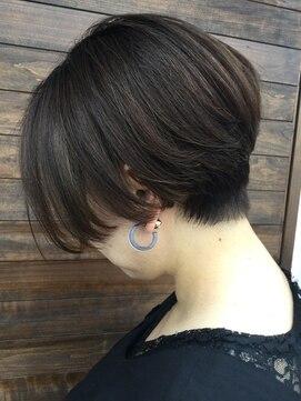 クブヘアー(kubu hair)《kubu hair》大人ハンサムショート
