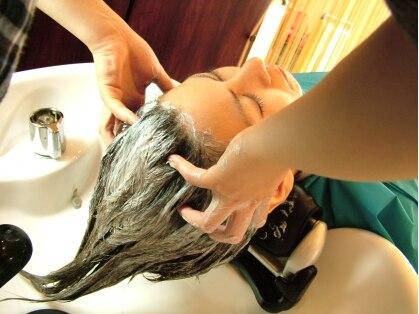 ヘアーアンドメイク カズヨカリーノ(Hair&Make CAZUYO Carino)の写真