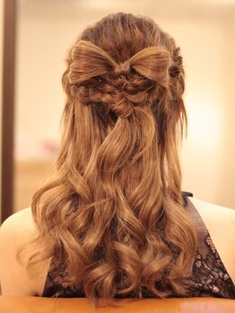 レアリス ヘアーデザイン(REALIS hair design)の写真/【ヘアセット¥2000】結婚式やデートなど、特別な日に!普段と違う華やかStyleで印象UP♪周りと差をつけて☆
