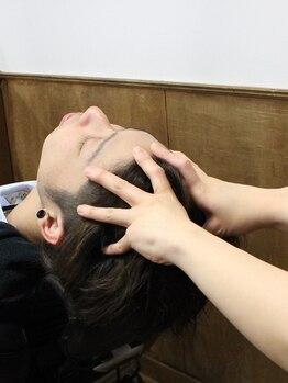 レギャルソン(Les Garcons)の写真/≪ヘッドマッサージ→頭皮のクレンジング→シャンプー→頭皮の栄養剤≫の4工程でしっかり頭皮のケア!