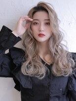 《Agu hair》柔らかプラチナベージュ×くびれウェーブ