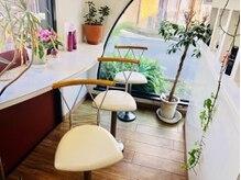 ミア ビータ MIA VITAの雰囲気(白を基調とした店内と、落ち着きのある待合いスペース。【町田】)