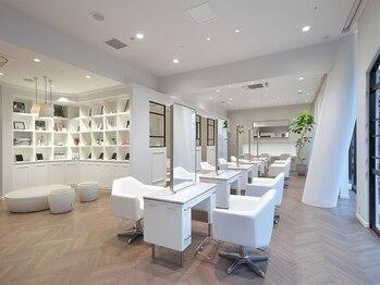 エルサロン 大阪店(ELLE salon)の写真/より上質なものを求める大人女性のための贅沢サロン。高い満足と空間と技術をお届けする[ELLE salon]