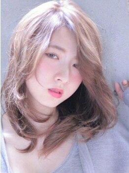 ライム イオン新潟東店(RAIMU)の写真/ダブルカラーや話題のイルミナカラーでイメチェンしたいならココ★染めるたびに艶めく髪色へと変わる☆