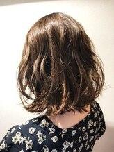 ルクステラスヘアサロン(Luxe Terrace hair salon)【抜け感◎】べージュ×サファイア