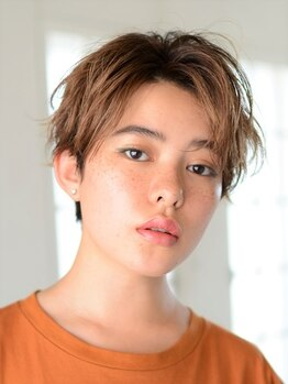 アース 小山店(HAIR&MAKE EARTH)の写真/「カットに自信があります!!!」との言葉どおり、最後の1ミリにまでこだわるカットで髪の扱い易さが変わる!